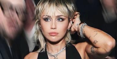 Miley Cyrus sorprende con la versión de una de las canciones más famosas de Britney Spears