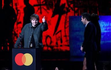 Lewis Capaldi fue el gran triunfador de la noche de los BRIT Awards 2020