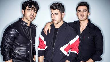 "Escucha el nuevo temazo de Jonas Brothers ""What A Man Gotta Do"""