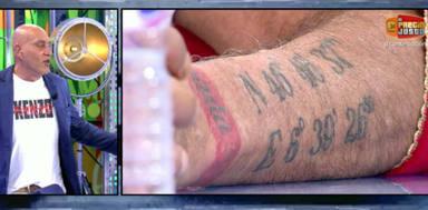 Kiko Matamoros se queda en shock al descubrir en directo el verdadero significado de uno de sus tatuajes