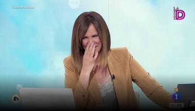 """Mónica López sufre un ataque de risa en directo y recibe una reprimenda de su compañero: """"A ver si me dejas"""""""
