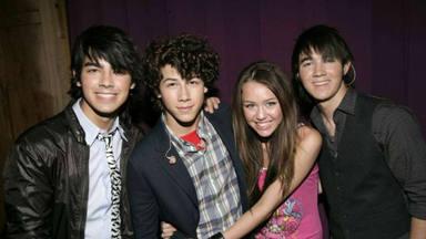 El reencuentro entre los Jonas Brothers y Miley Cyrus que los fans esperan está más cerca de lo que crees