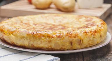 El sorprendente paso que te saltas al hacer una tortilla de patatas y que cambia su sabor