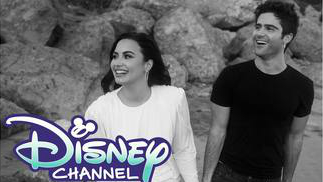 ¿En qué serie de Disney Channel has visto antes a Max Ehrich, el prometido de Demi Lovato?