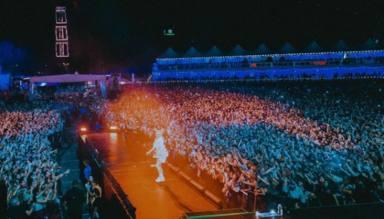 La vuelta de los conciertos revive a los artistas: así han sido las actuaciones de Billie Eilish o Ed Sheeran