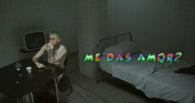 """Hugo Cobo está loco de amor en el videoclip de su nuevo temazo """"Me Das Amor?"""""""