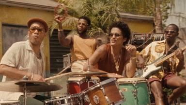 Bruno Mars y Anderson .Paak lanzan 'Skate', el nuevo adelanto de su esperado disco