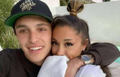 ¡Ariana Grande es una mujer casada! Esto es lo que sabemos sobre su boda íntima con Dalton Gómez