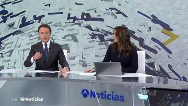 Matías Prats deja de piedra a Mónica Carrillo al terminar el informativo de una forma totalmente inesperada