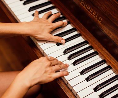 3 Apps necesarias para aprender a tocar un instrumento musical gratis y desde casa