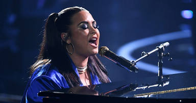 Demi Lovato estrena 'Commander In Chief', su canción más especial y con la que busca respuestas