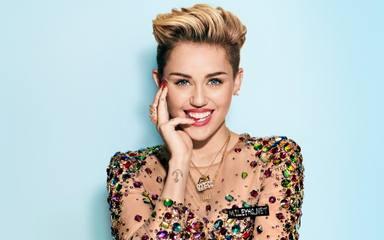 Las palabras más profundas y emotivas de Miley Cyrus al dar la bienvenida a su nueva perrita Angel