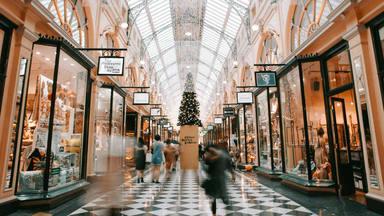 ¿Cómo ahorrar dinero en las compras navideñas?
