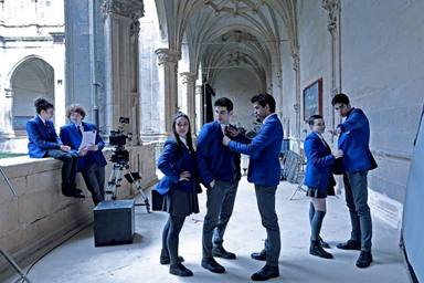 Sale a la luz la serie española donde aparecerá la 'influencer' Dulceida y tenemos la primera imagen