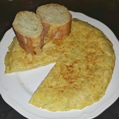 El pequeño detalle que te saltas al hacer tortilla de patata y que cambia su sabor