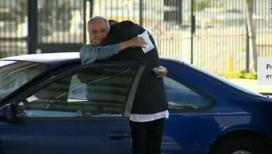 El increíble gesto de un alumno con su antiguo profesor, que estaba viviendo en un coche