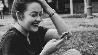 """¿Qué es """"twinning""""? La tendencia que lo está petando en Instagram"""