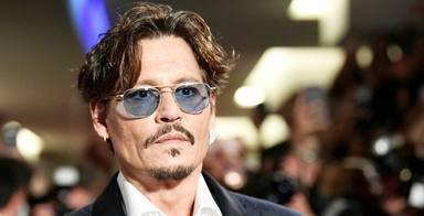 Johnny Depp agradece el apoyo a sus fans con una emotiva carta y un vídeo