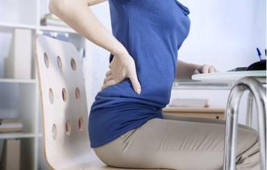 ¿Dolor muscular por el teletrabajo? Estas son las posturas más aconsejables en la silla