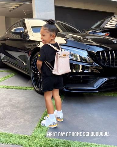 La carísima mochila de cinco cifras que Kylie Jenner le ha regalado a su hija Stormi para el colegio