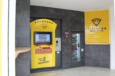Así es el primer cajero automático de pizza que han creado en Málaga