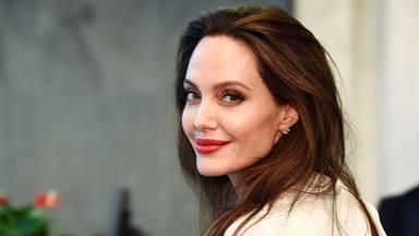 ¡Atención! Angelina Jolie se marca un 'revival' y se encuentra con su ex