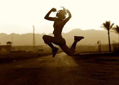 Escuchar temazos es salud para tu mente y tu cuerpo