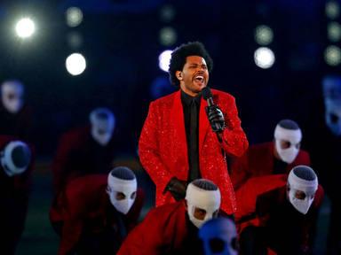 The Weeknd culmina una actuación histórica en la Super Bowl con un toque amargo al aparecer en solitario
