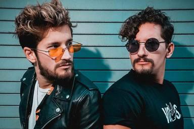 """Mau y Ricky lanzan """"Ouch"""" el preámbulo de su nuevo álbum Rifresh"""